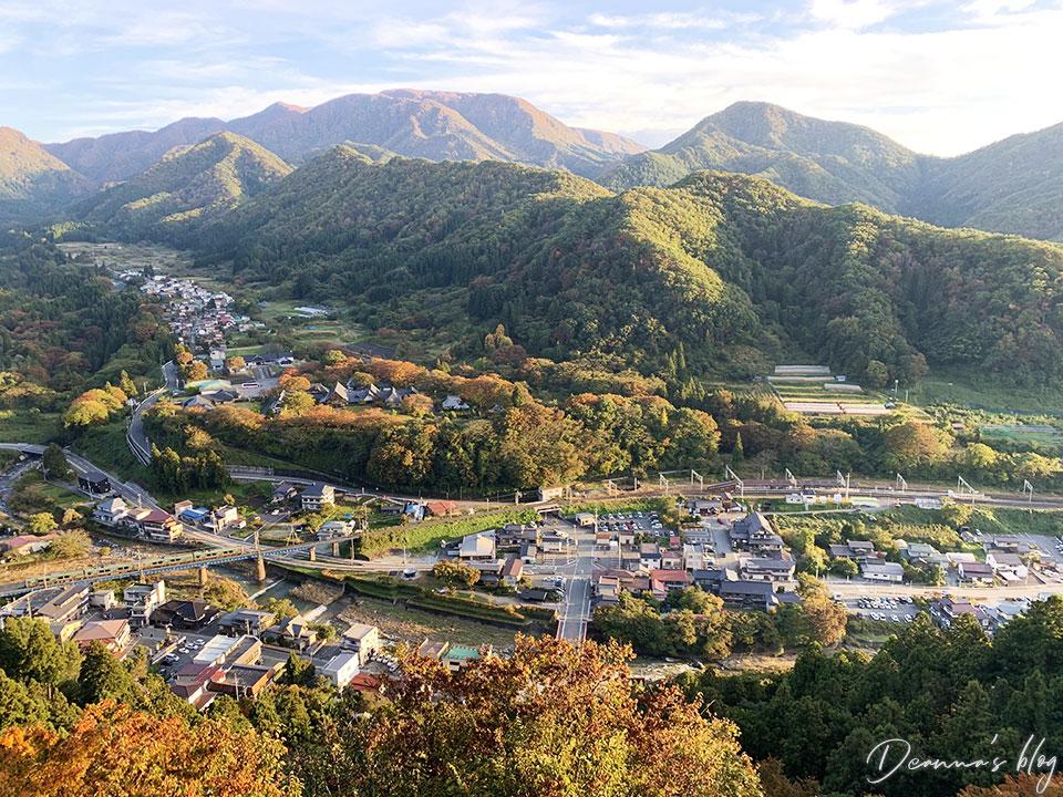 日本山寺秋景