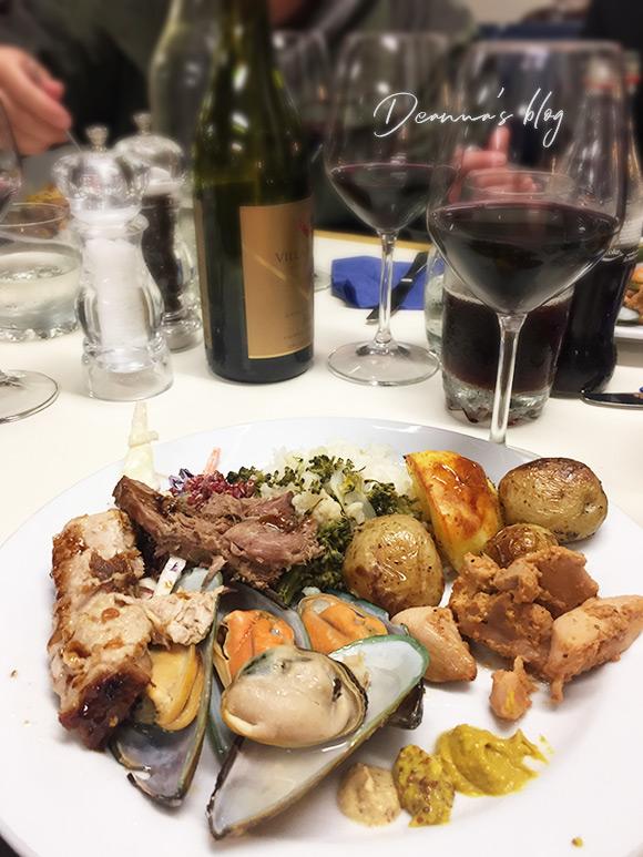 神奇峽灣過夜船晚餐