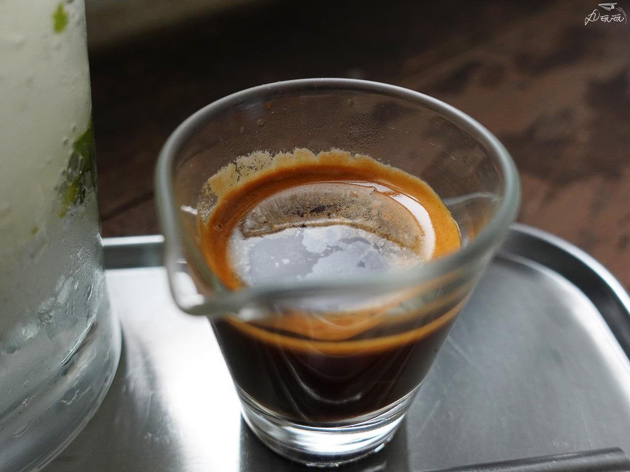 檸檬氣泡咖啡