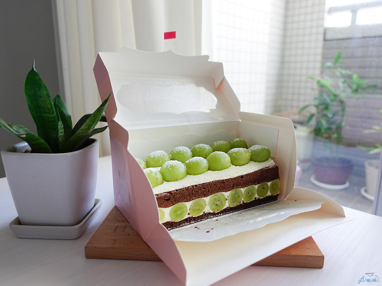 雙層葡萄蛋糕